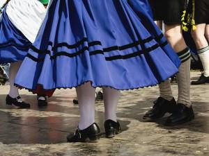 Volkstümliche Tänze